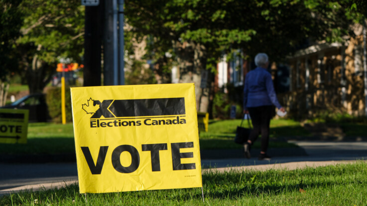 9 personnes ont été renversées par une voiture devant un bureau de vote hier à Montréal