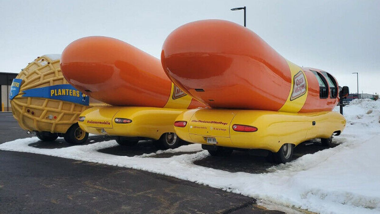 """A """"Wienermobile"""" Sale Prank Just Got This BC Man Thousands Of Missed Calls"""