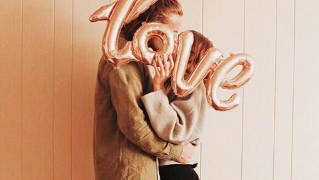 20 Clear Signs You Should Stay In Your Relationship Or Leave ASAP