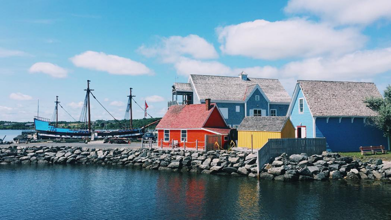 17 Small Towns You Can Visit In Nova Scotia For The Perfect Fall Getaway