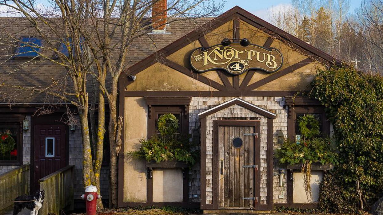 12 Iconic Pubs Every True Nova Scotian Needs To Visit At Least Once