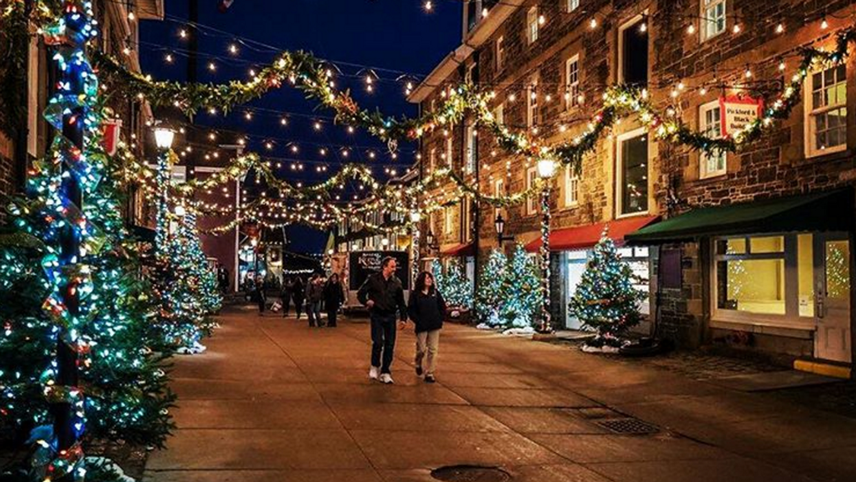 This Incredible Halifax Christmas Market Is The Perfect Place For A Holiday Date