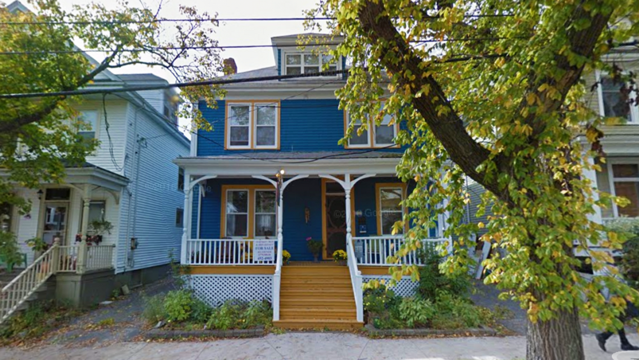 9 Massive Halifax Homes That You Can Rent For Super Cheap