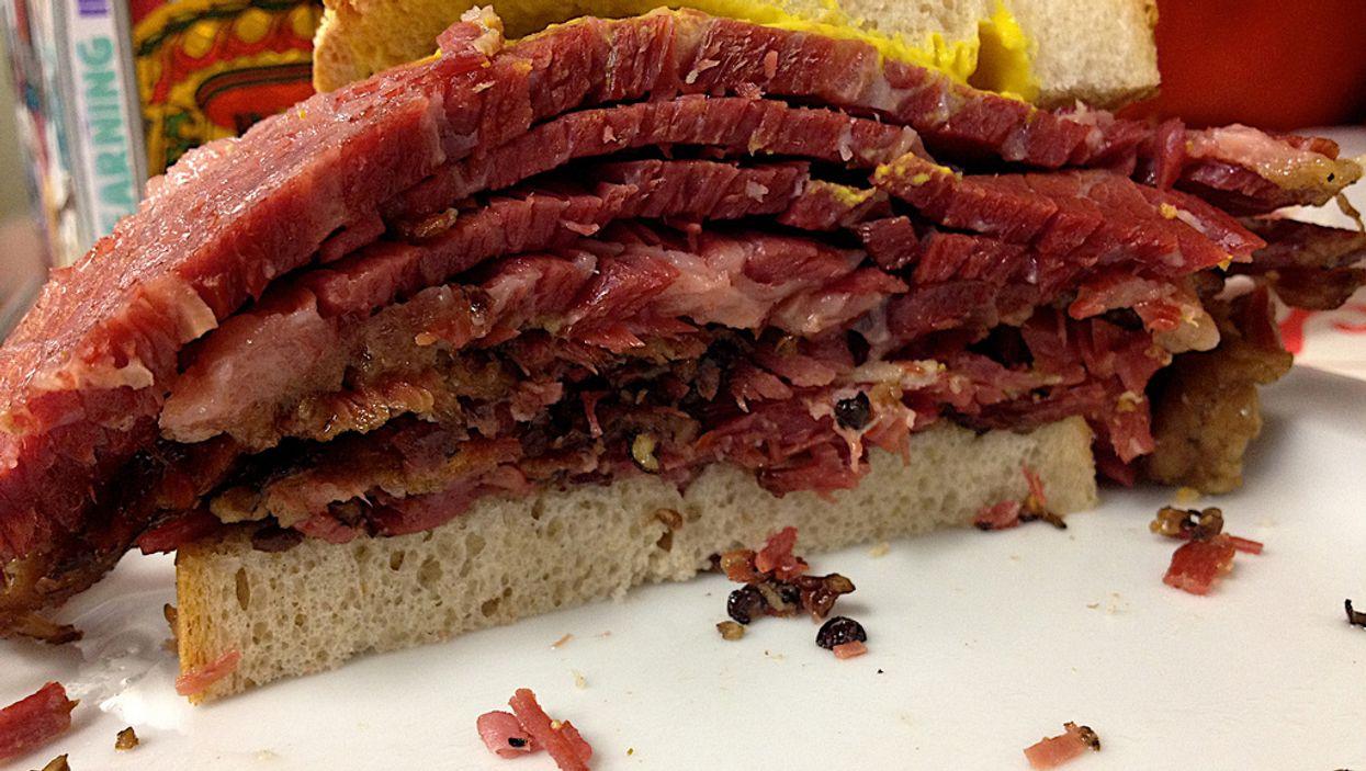 Les sandwiches smoked meat de Montréal sont maintenant du luxe