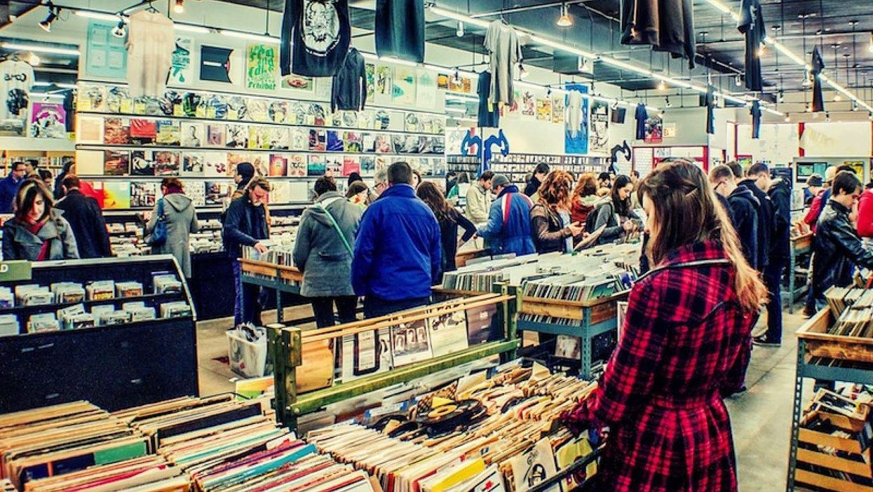 Une vente d'entrepôt à 1$ le vinyle a lieu à Montréal cette fin de semaine