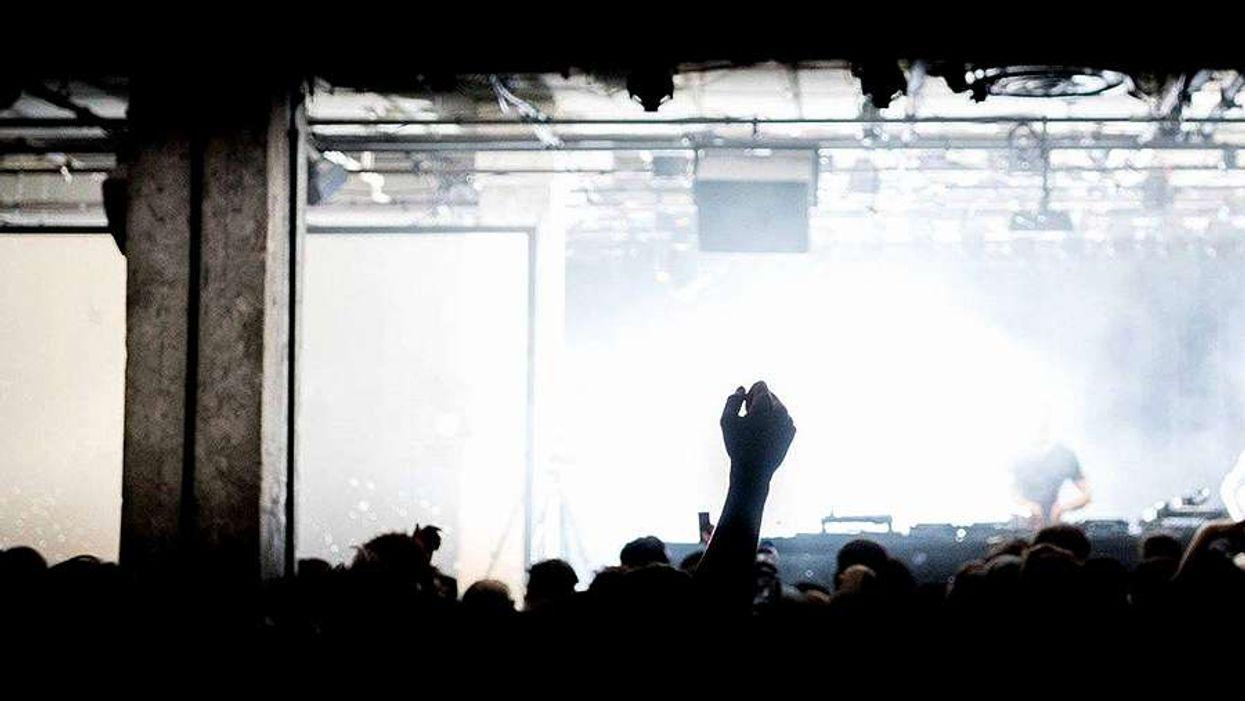 Un party fou accueillera 1 800 personnes dans un entrepôt du Vieux-Port pour la première fois!