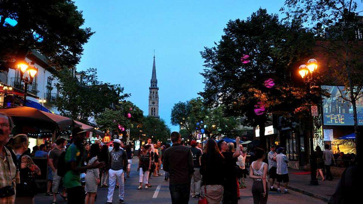 Un immense party en plein air aura lieu dans le Quartier Latin ce mois-ci!
