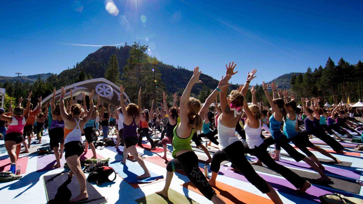 Participe au festival de yoga de Montréal avec tes amies dès ce vendredi