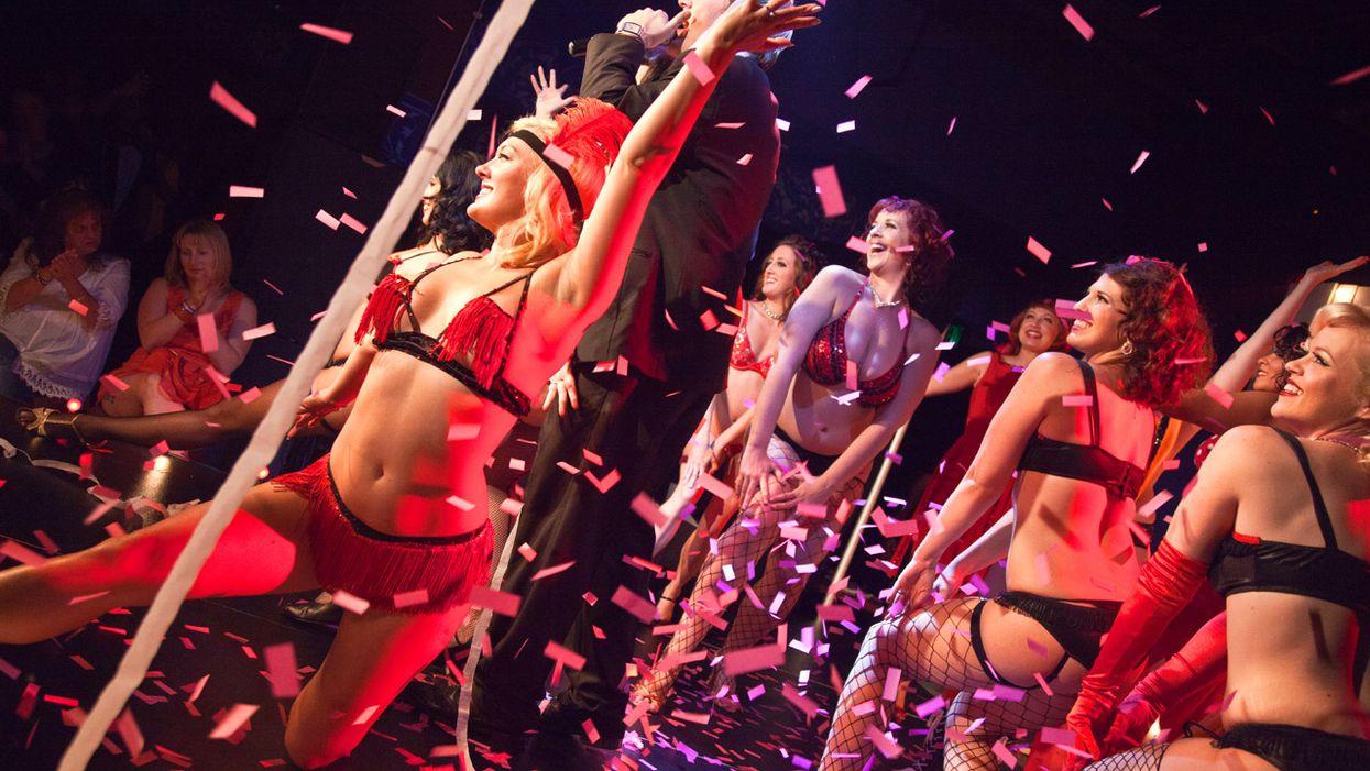 Spectacle de burlesque à Montréal animé par Laurent Paquin