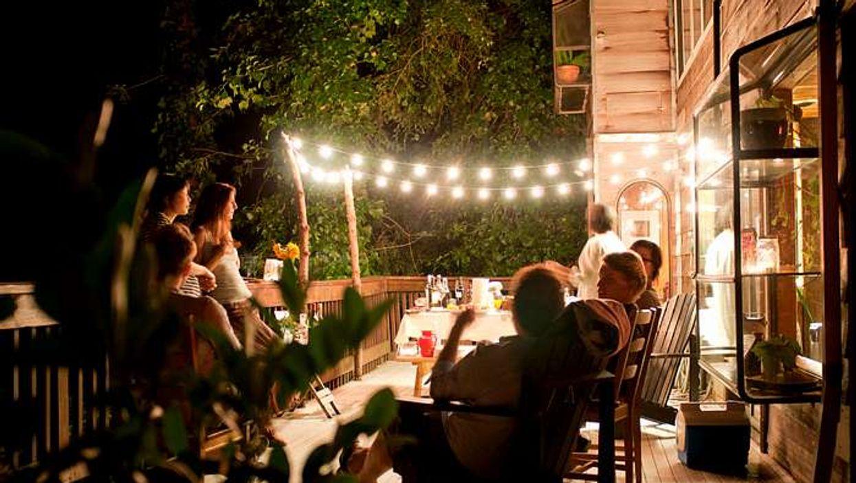 5 bons endroits où louer un chalet pour t'éclater avec tes amis cet été