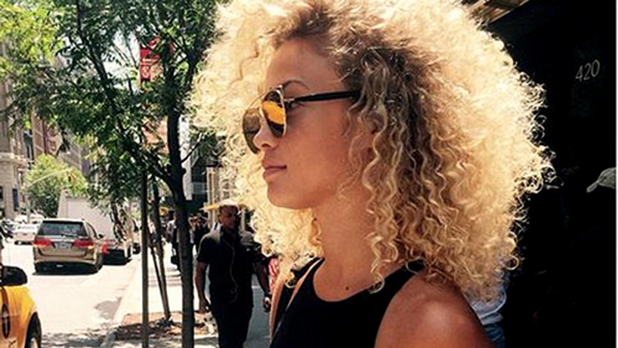 10 problèmes que les filles qui ont les cheveux frisés vivent au quotidien