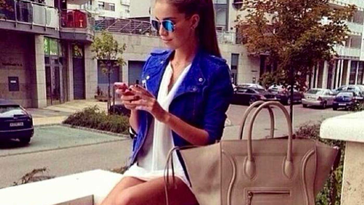 8 choses que tu dois savoir sur ton ami qui répond à tes SMS des heures plus tard