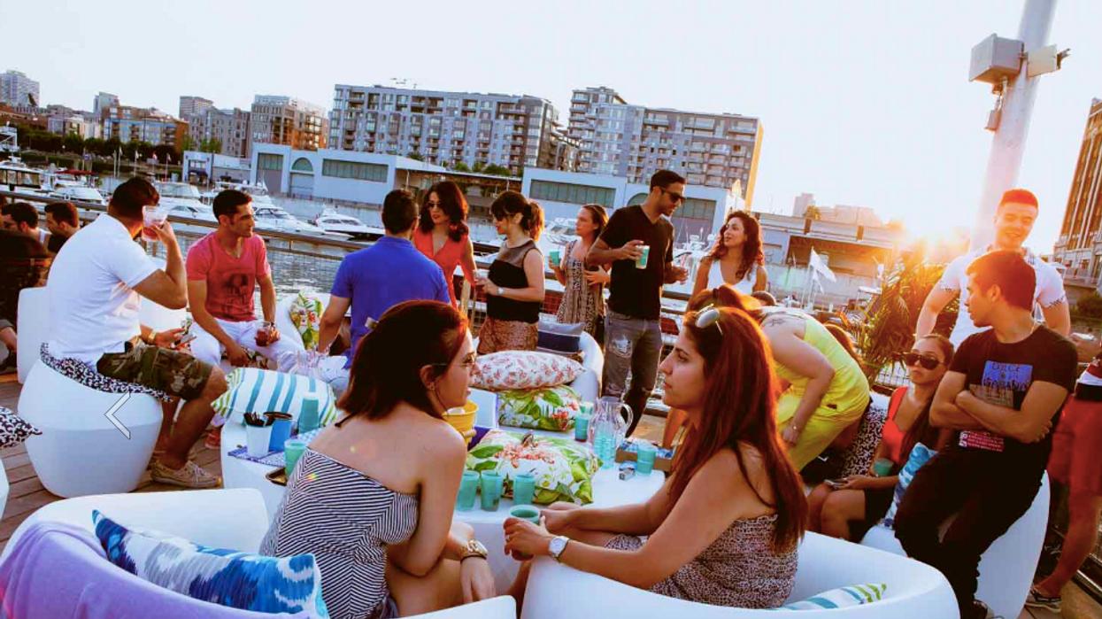 Gros beach party brésilien à l'Horloge la semaine prochaine