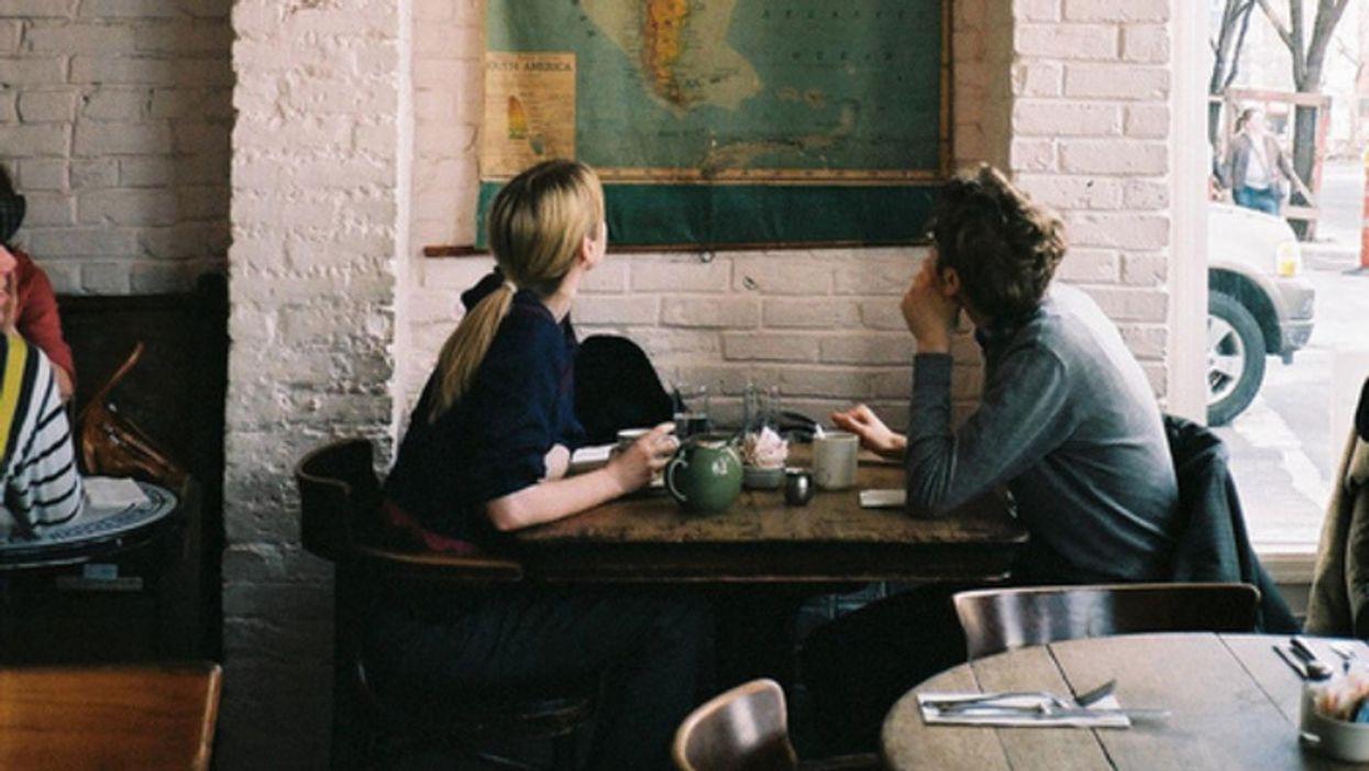 12 sujets de conversation à éviter absolument pendant une première date