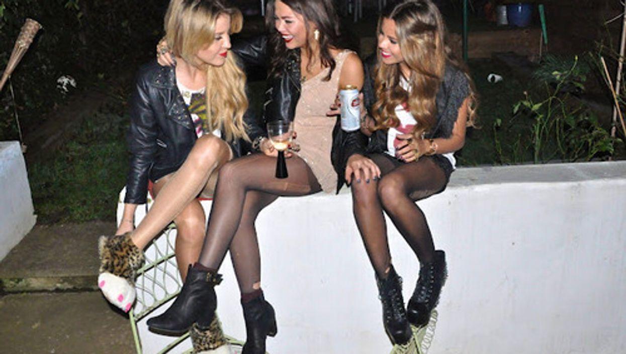 10 raisons pour lesquelles les amis qui boivent ensemble restent ensemble