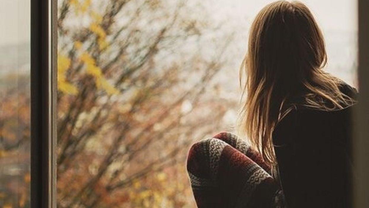 9 choses que tu dois savoir sur la fille qui s'inquiète tout le temps