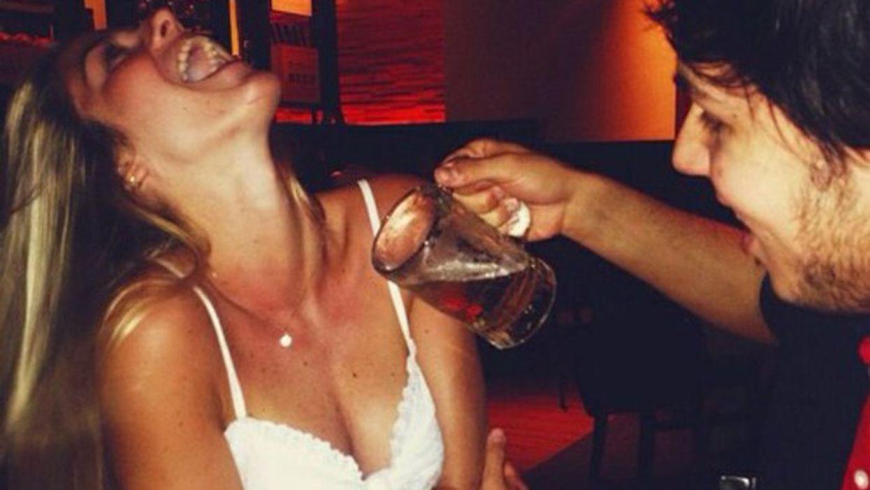 19 signes que tu ne devrais plus avoir le droit de boire