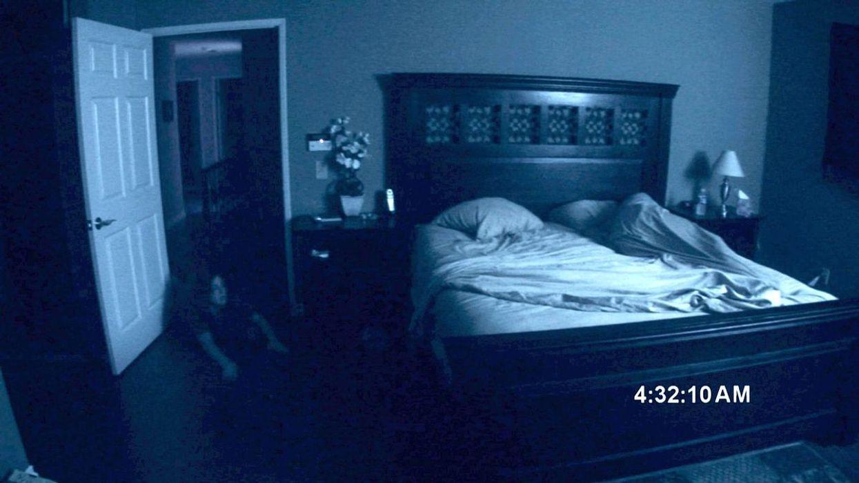 Ce qui se passe quand des gens visitent la maison de Paranormal Activity