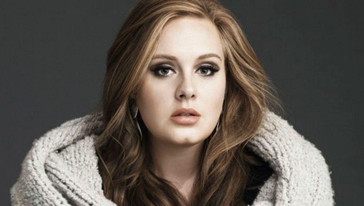 Elle reprend Hello d'Adele en français et c'est magnifique!