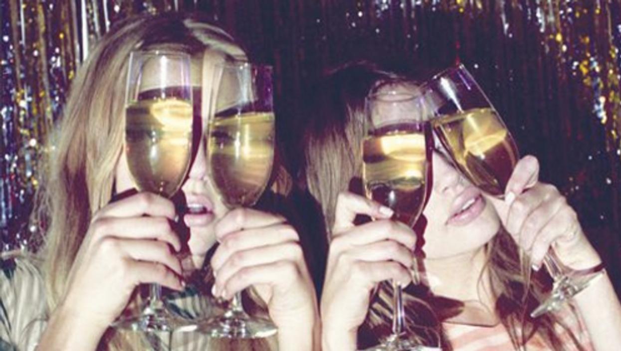 30 pensées qu'une fille célibataire a au nouvel an quand elle n'a personne à embrasser...