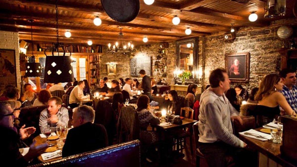 Tu pourras faire le party jusqu'à 6h du matin dans certains bars de Montréal ce soir!