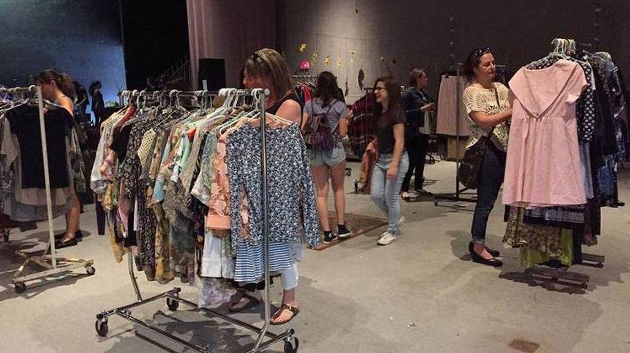 Une vente de livres et de vêtements à MOINS D'UNE PIASSE aura lieu la semaine prochaine à Montréal!