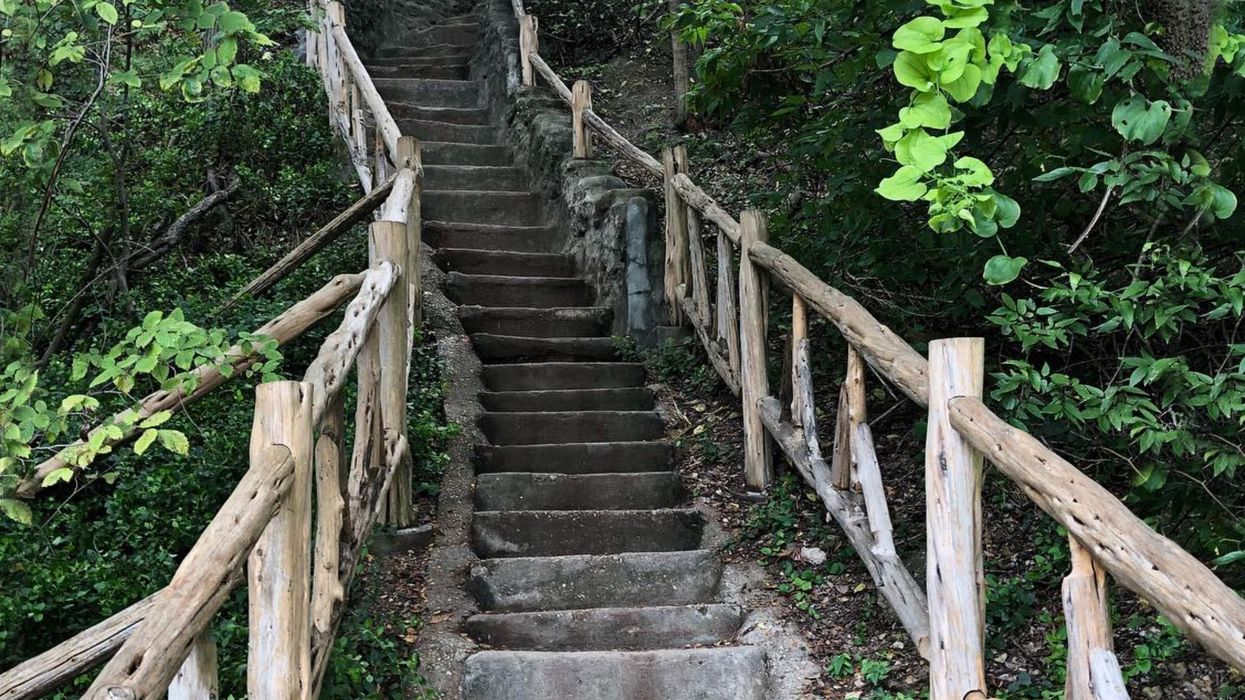 This Endless Natural Stairwell In Waco Could Be The Craziest Hike In Texas