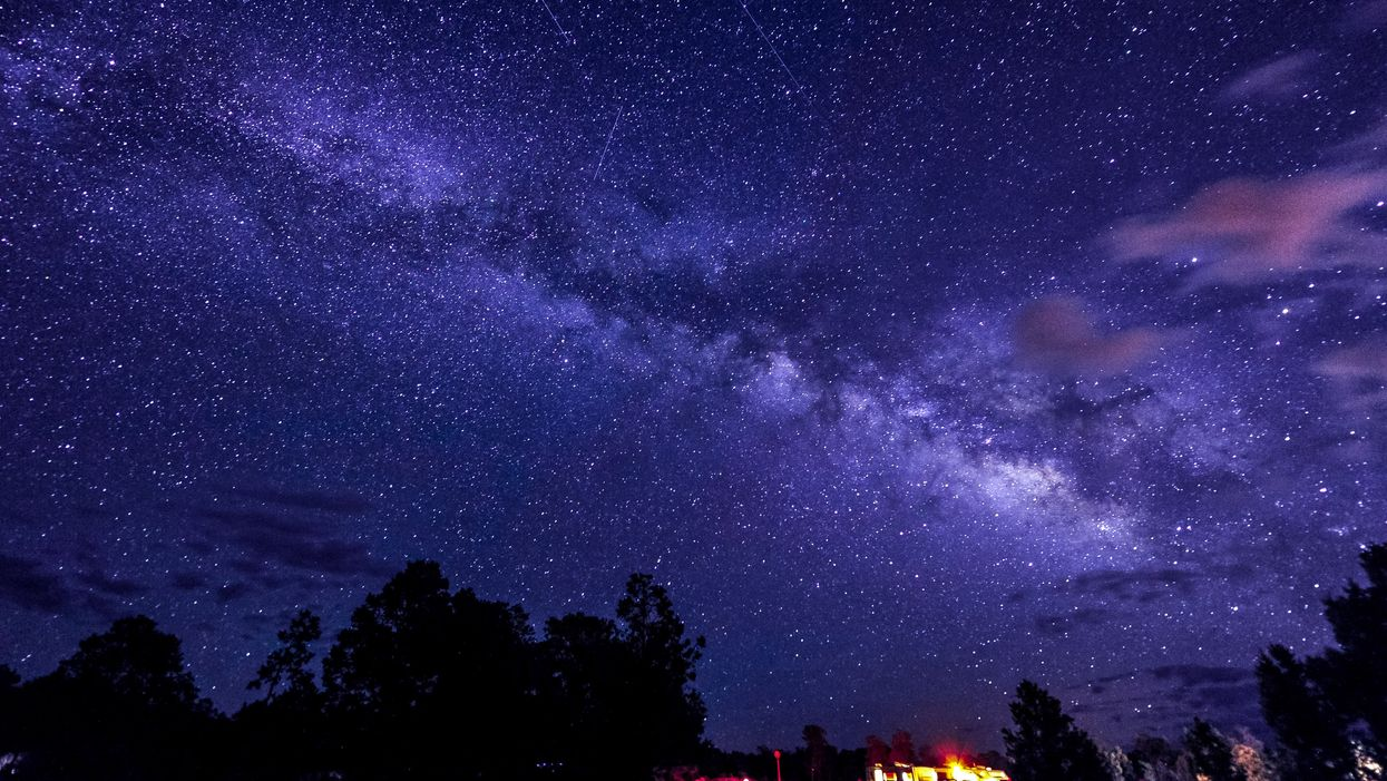 A Stunning Meteor Shower Will Shine Over Texas Tonight And You Won't Want To Miss It