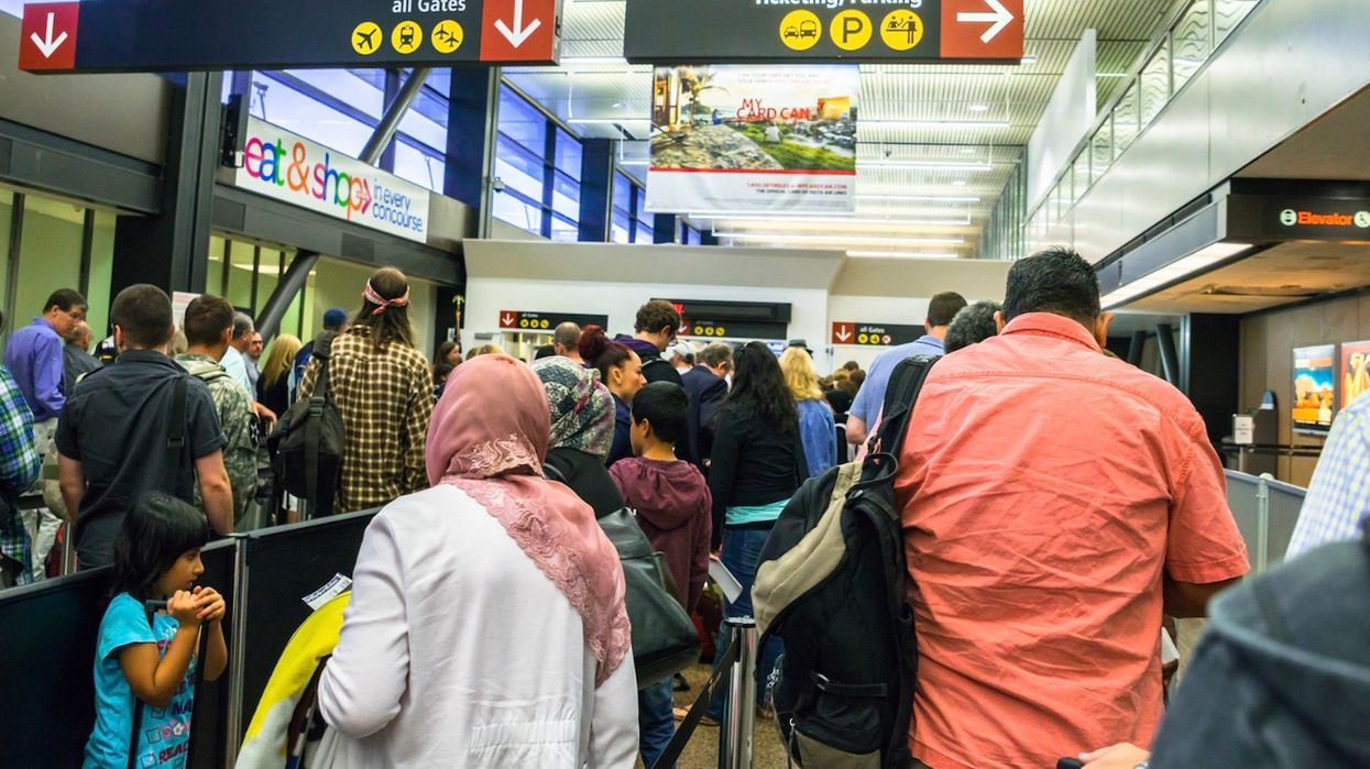 Canadian Passport Kiosks Stopped Working & It Caused Complete Chaos At The Border