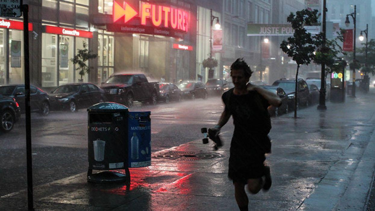 Les orages violents d'aujourd'hui causent plus de 50 000 pannes de courant au Québec présentement