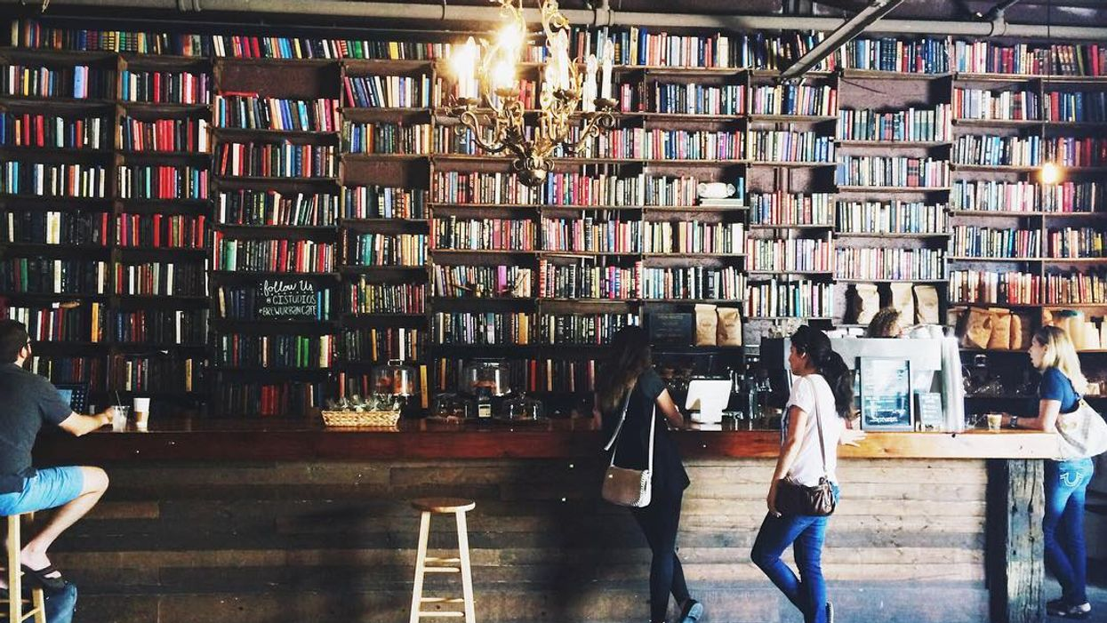 This Hidden Cozy Coffee Shop In Fort Lauderdale Is A Bookworm's Haven