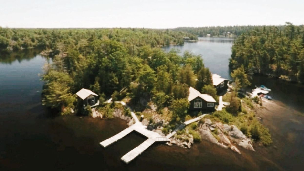 Tu peux louer cette île en Ontario pour pas cher et y faire ton party de fin d'été