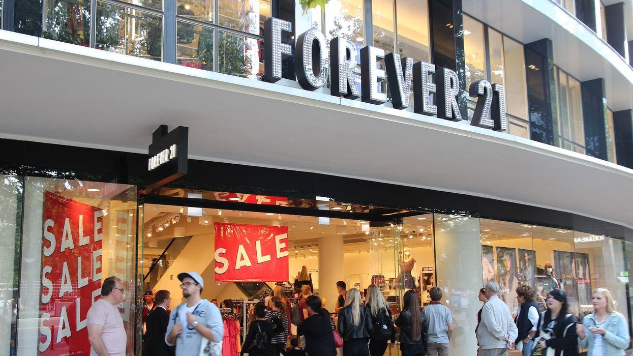 «Forever 21» fait une méga de fermeture avec des rabais allant jusqu'à 80% sur plus de 1000 articles