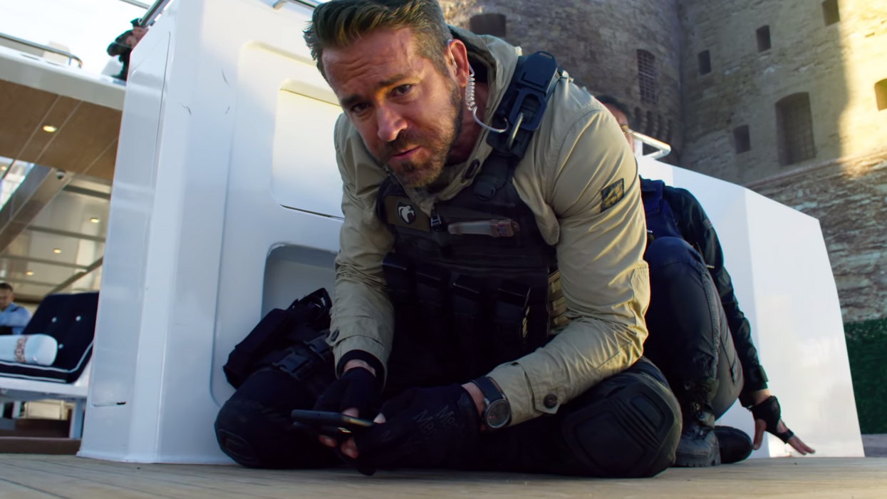 This New Movie On Netflix Canada Stars Ryan Reynolds & It Looks Totally Action-Packed