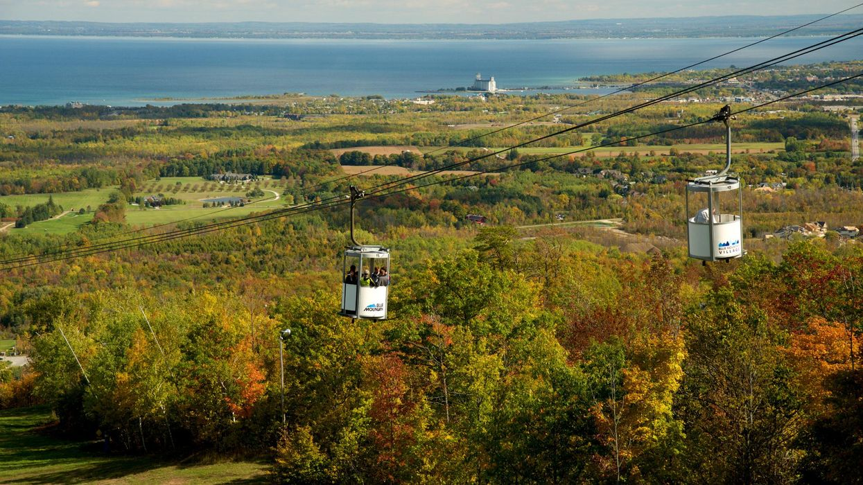 You Can Take An Open Air Gondola Ride Over Ontario's Fall Views This Month