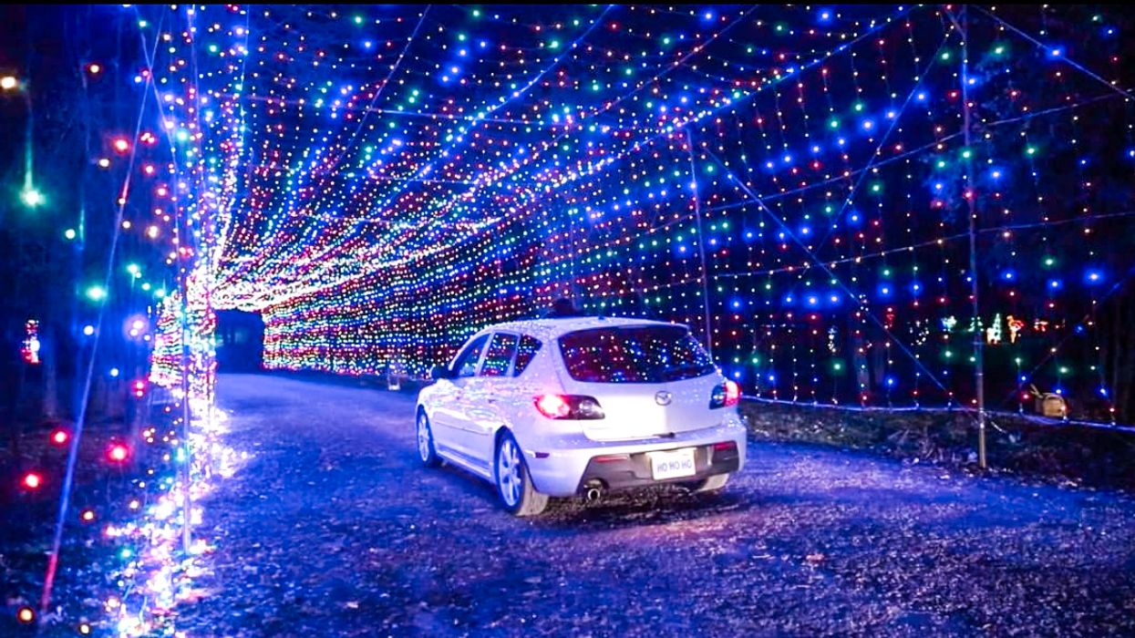 Bingemans Gift Of Lights 2019 Is Returning With 2 Km Of Magical Lights And Tunnels