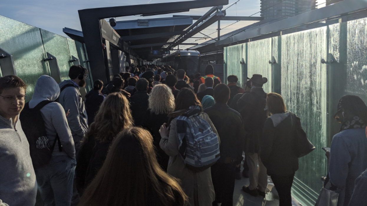 Ottawa LRT Was A Total Transit Disaster Again This Morning & Commuters Are Angry