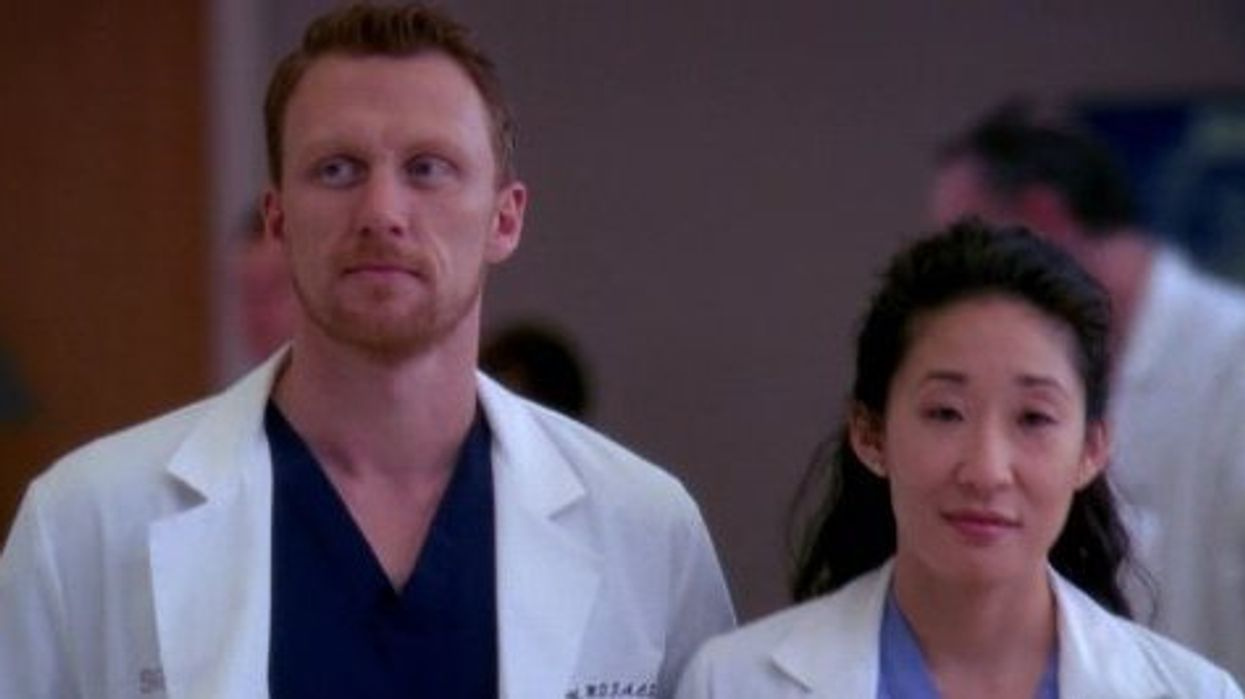 It's been five years since Sandra Oh leftGrey's Anatomyand it seems like no one is quite over the heartbreak of her departure. Even though she has never actually made a reappearance, the writers have worked in little sneak peeks of Oh's character, Cristina Yang. After all, she was an original from the start of the series and wasn't tragically killed off like so many others that we knew and loved. Even stars of the show miss her and Grey's Anatomy Kevin McKidd wants a Sandra Oh reappearance too.