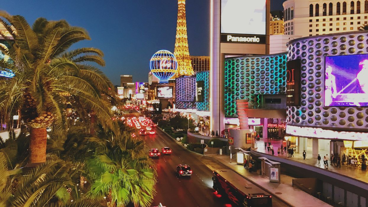 Flights To Las Vegas From Vancouver Are Cheaper Than A Fancy Dinner Right Now