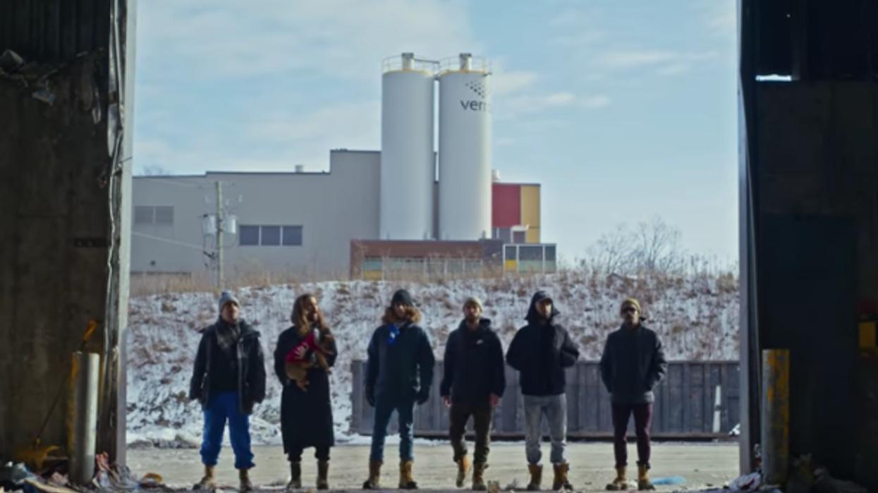 Alaclair Ensemble sort une vidéo sur le recyclage à Laval et c'est juste wow