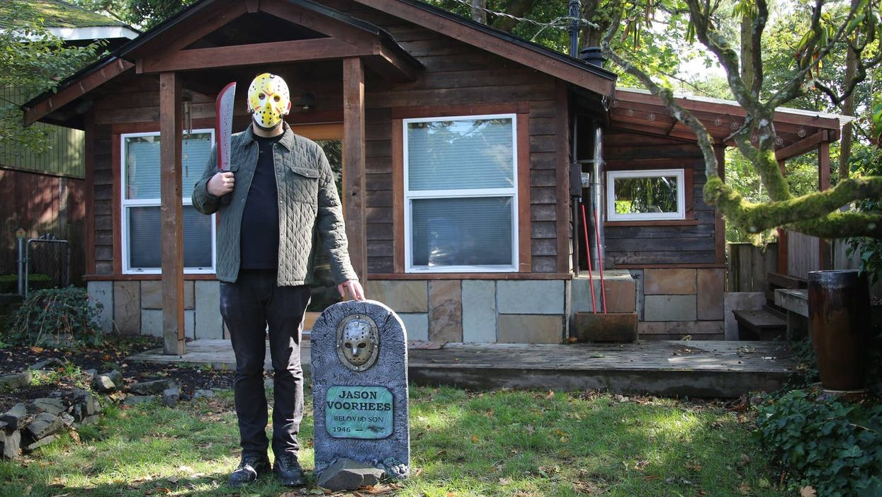 This Friday The 13th-Themed Cabin In Washington Is The Perfect Weekend Getaway