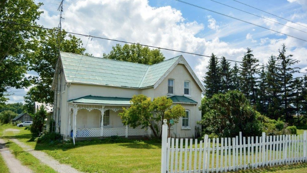 Ontario Cottage For Sale Looks Like It's From Anne Of Green Gables