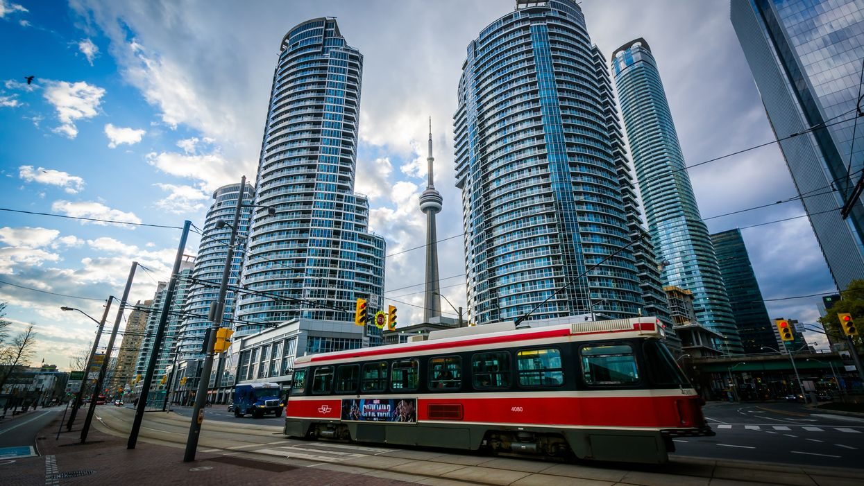 Jobs In Toronto With A Salary Of $100,000 Or More That You Can Apply For