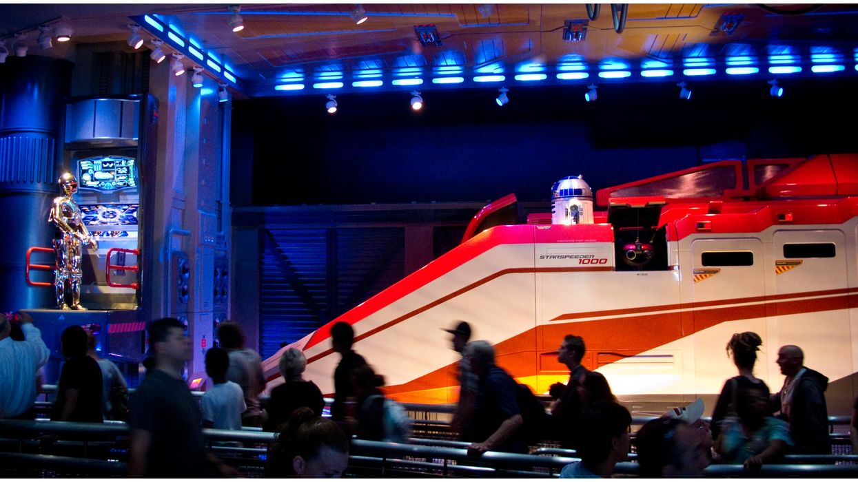 Star Tours At Disneyland Got A Huge Update Inspired By The New Star Wars Movie
