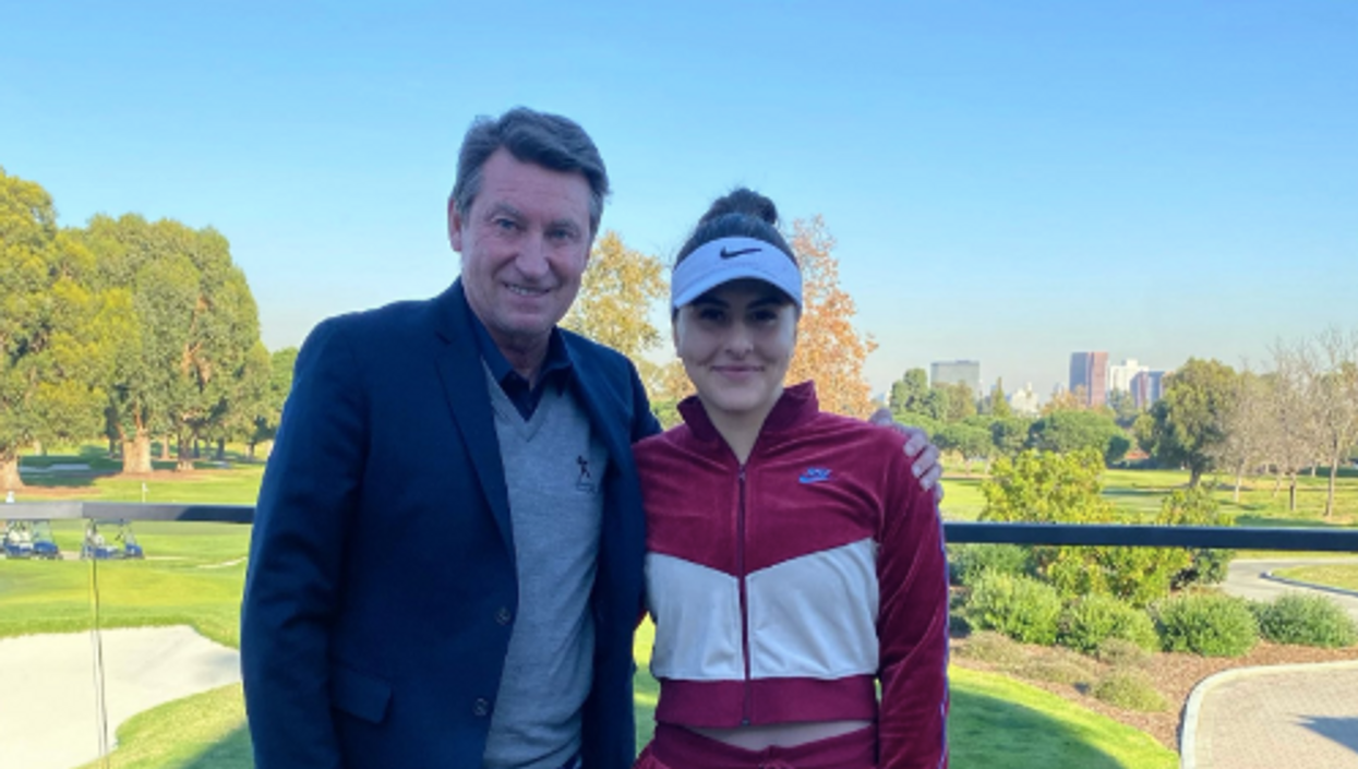 Bianca Andreescu Wayne Gretzky Photo Op Has Fans Calling Them The Greatest Ever