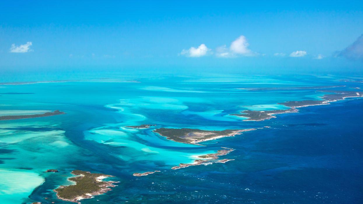 Tu peux t'envoler de Montréal aux Bahamas pour seulement 455 $ aller-retour cet hiver