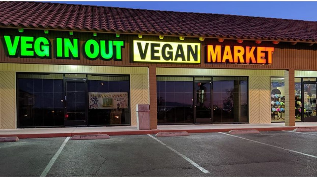 Las Vegas' First-Ever Vegan Market Opened & It's Pretty Nice (PHOTOS)