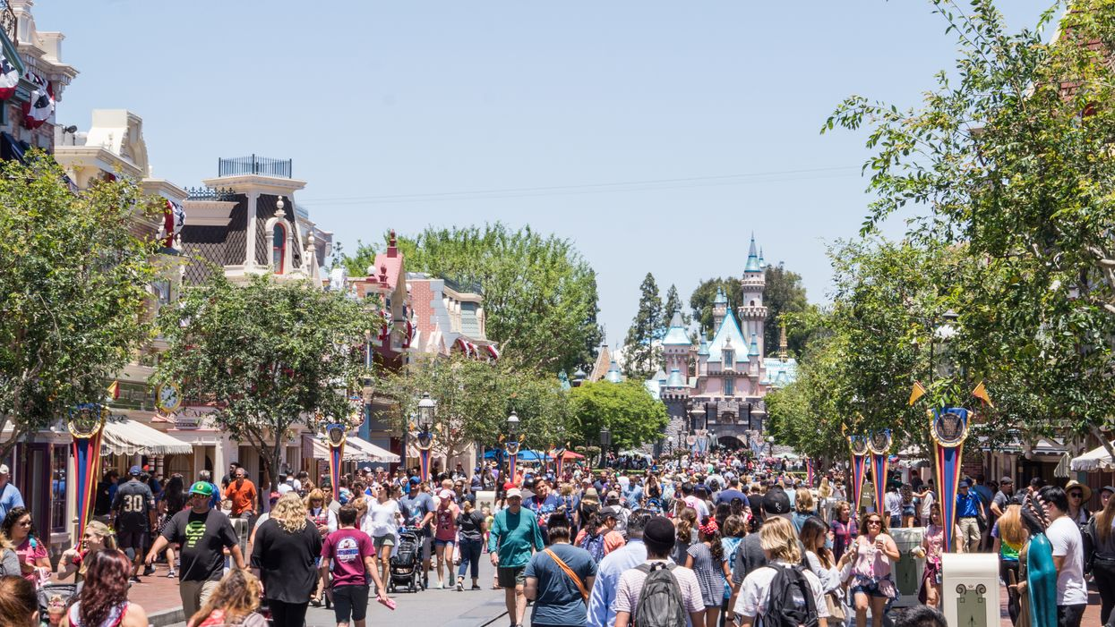 Disneyland Stopped Selling Tickets Today After Reaching Maximum Capacity