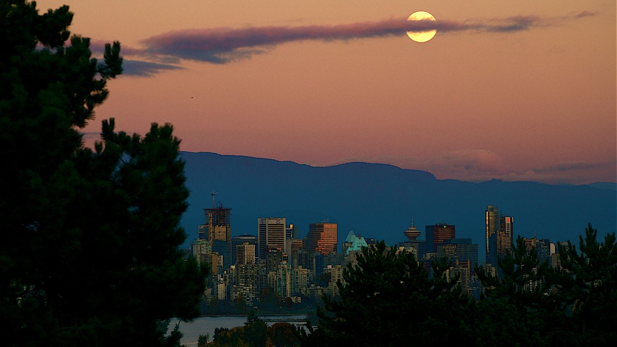 """A Mysterious """"Moon Of Many Names"""" Will Be Lighting Up Vancouver Next Month"""