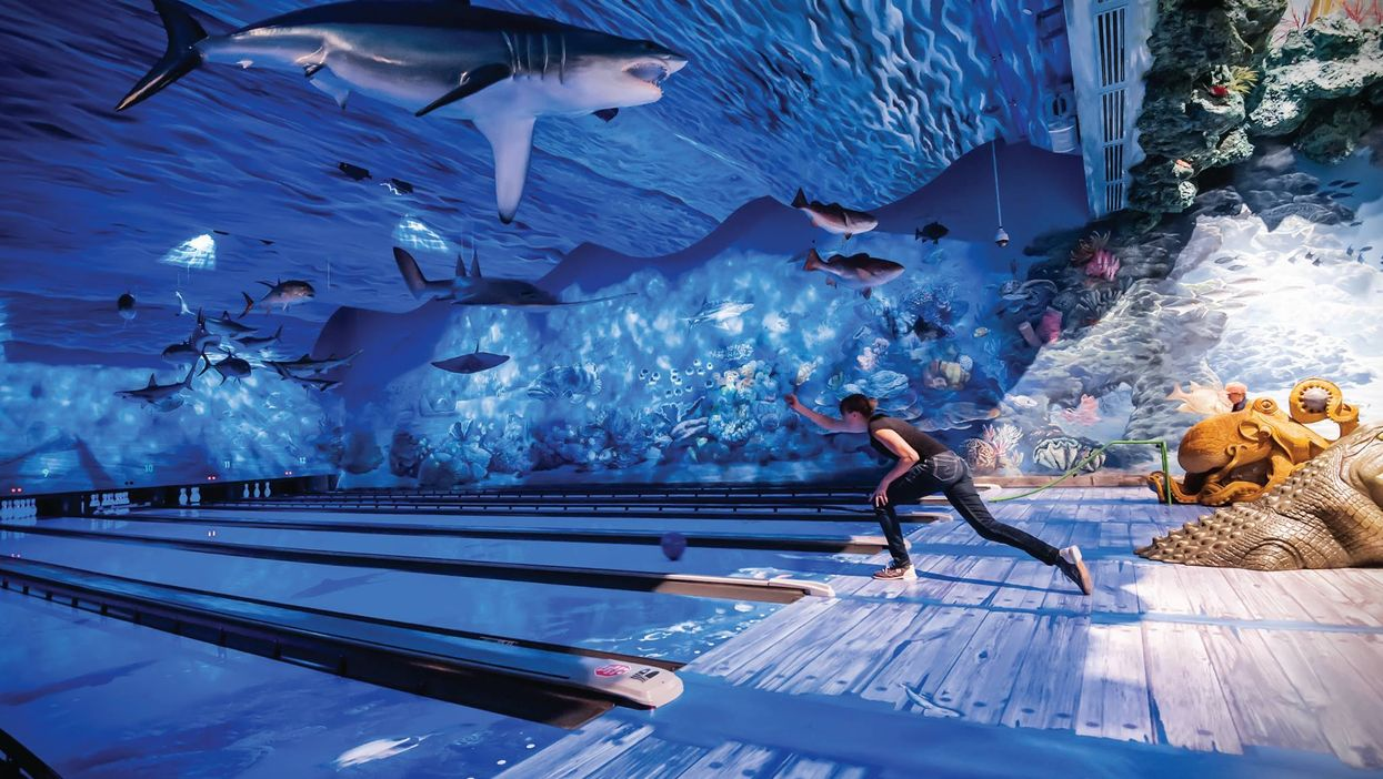 """Underwater Bowling Near Vancouver Is Straight From """"The Little Mermaid"""""""